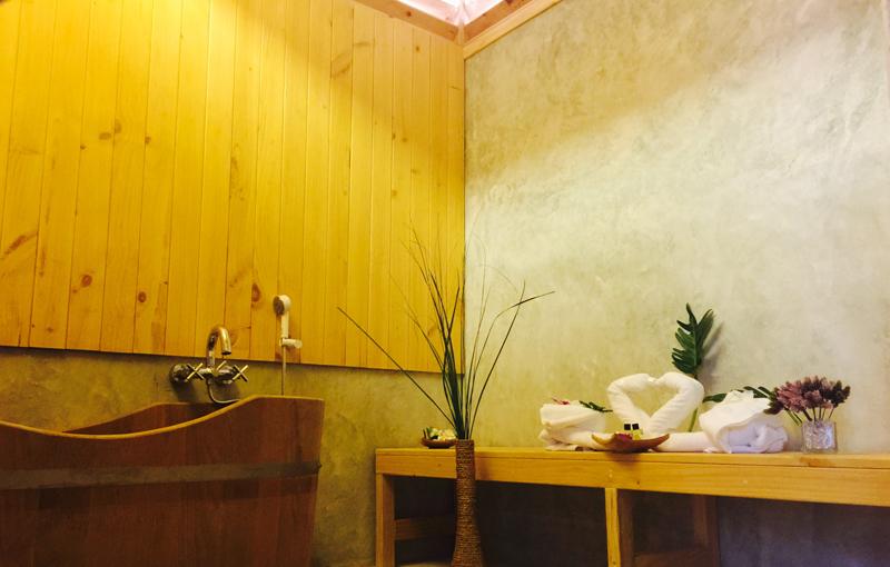 Onsen hot tub1
